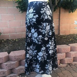 Sag Harbor Black & White Floral Midi Skirt size 18